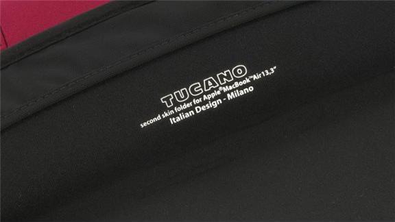 tucano second skin elements macbook air 13 rot g nstig. Black Bedroom Furniture Sets. Home Design Ideas